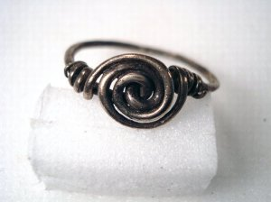 silver%20wire%20spiral%20finger-ring,%205th-6th%20century